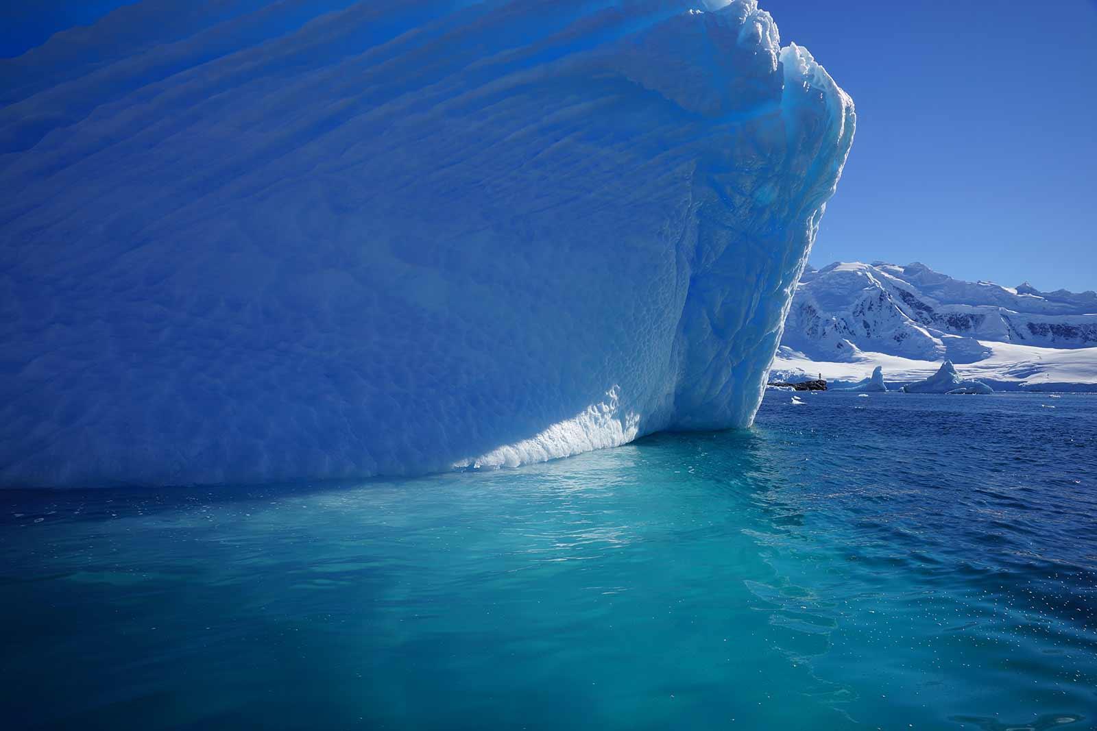 bleu des icebergs près de la base de Port Lockroy